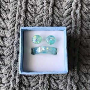 Jewelry - Iridescent blue/green ring and stud set